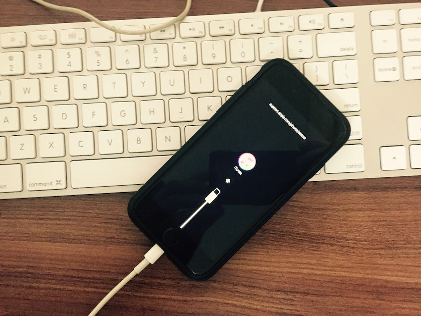 1 Connect iPhone to iTunes fix all problems