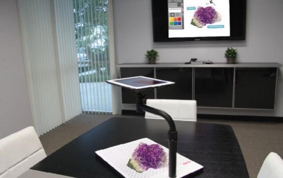 Belkin iPad pro stand for presentation