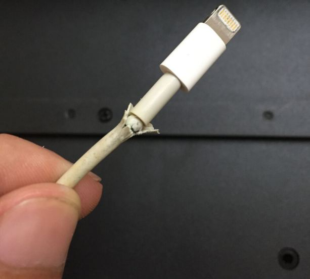 Fix iPhone lightning cable broken or not supplying