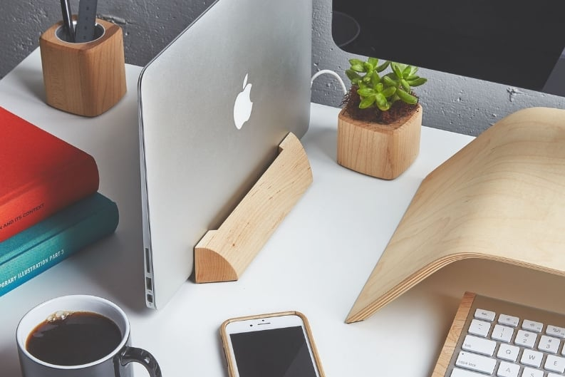 Macbook and Laptop stand for charging