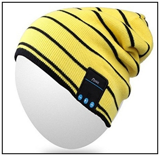 Washable knit beanie for bluetooth embedded Smartphone