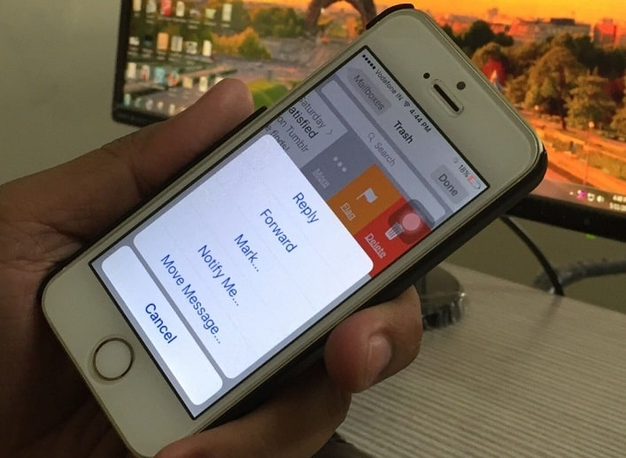 Move Mail from trash to inbox on iPhone, iPad