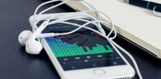 iPhone Volume Balance from headphone