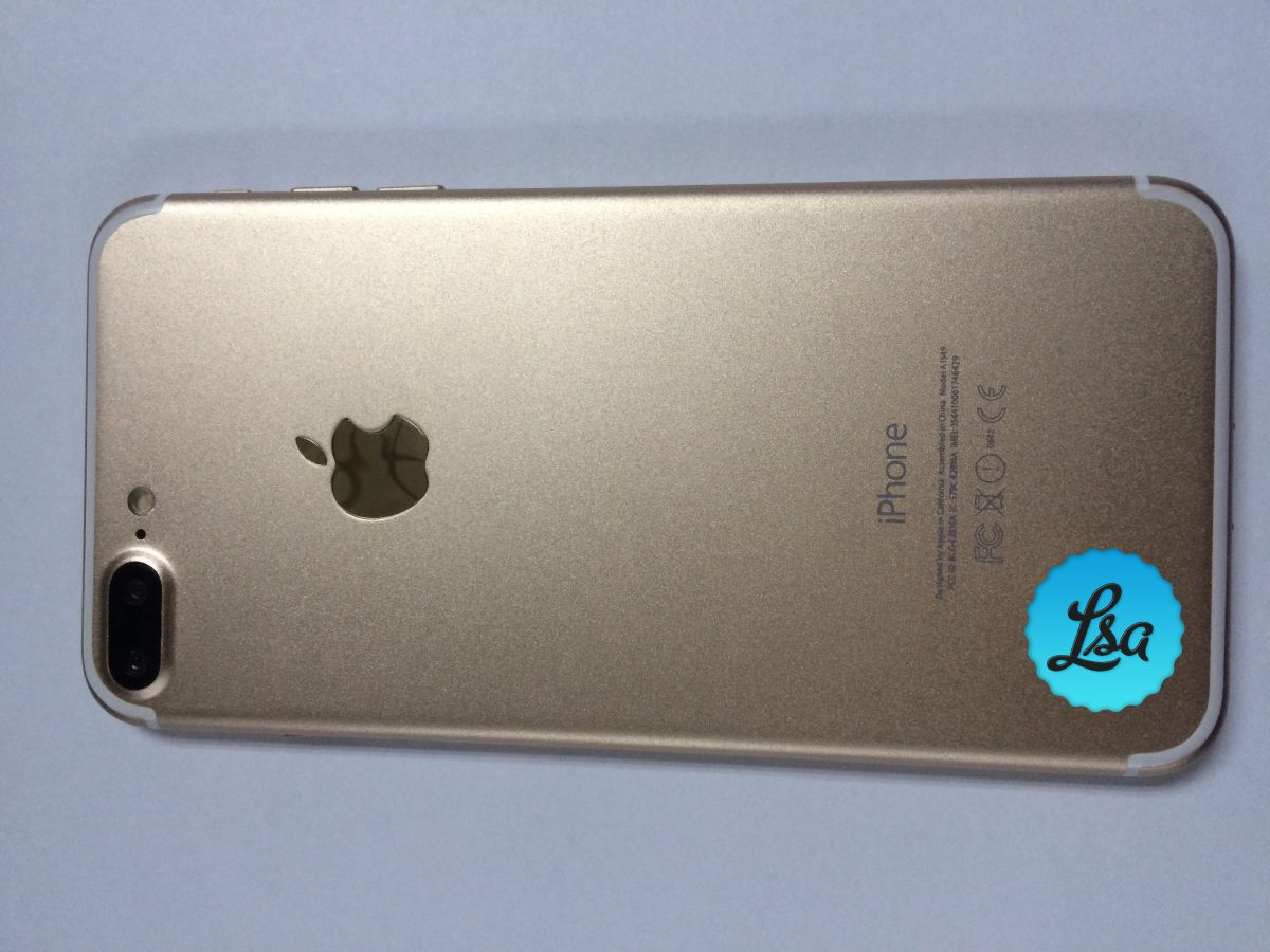 iPhone 7 Plus or  iPhone 7 Pro leaked images