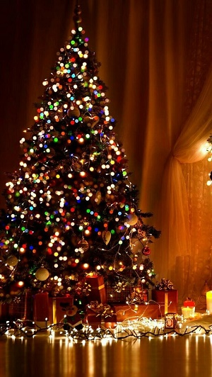 Christmas Tree Wallpaper for iPhone in HIgh Resolution